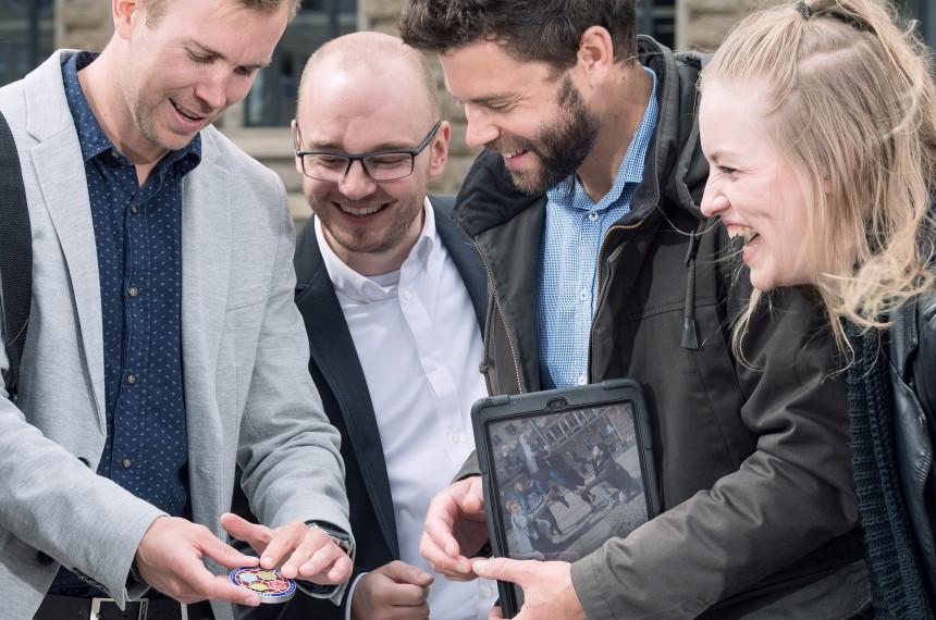 Team Medaillon Tablet iPad Stadt