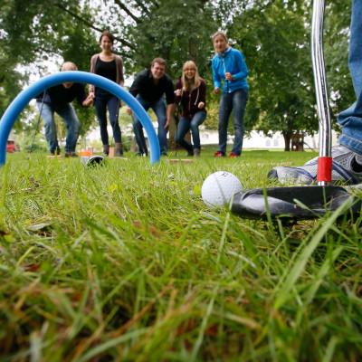 Golf Schlaeger Ball Outdoor Team Wiese Hindernis