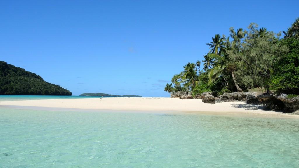 Weltumsegelung einsamer Strand und Meer