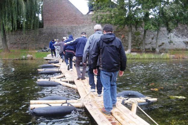 team auf der Brücke-Hamburg