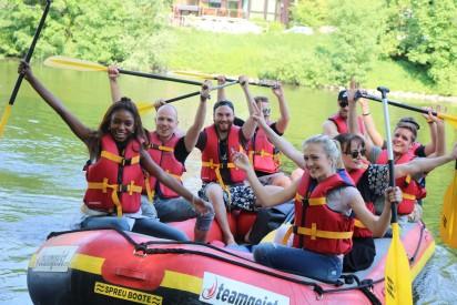 Team Raft Schlauchboot Fluss