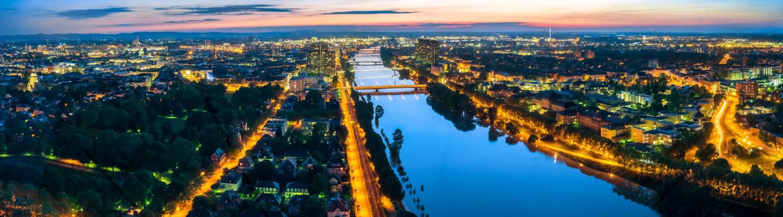 Ludwigshafen und Mannheim Panorama Nacht
