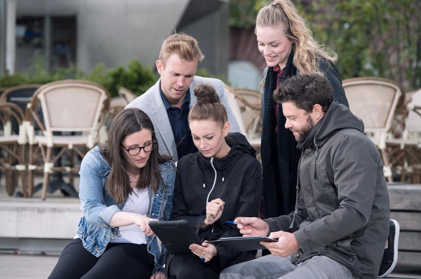 Team iPad Tablet Stadt Bank