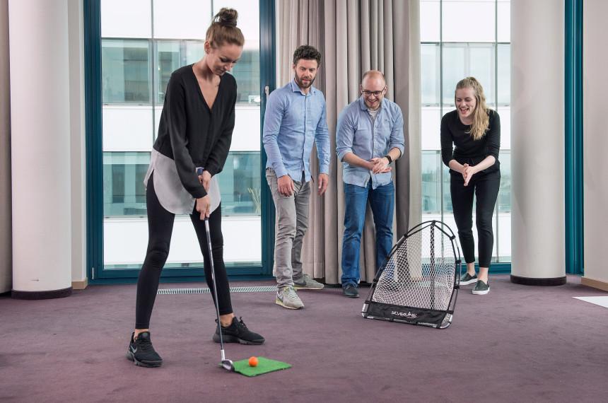Golf Indoor Team Hindernis Ball Schlaeger