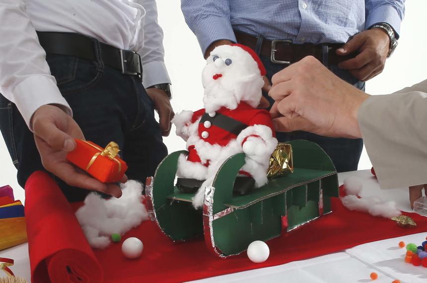 Weihnachtsmann- und Schlittenbau Frankfurt 1
