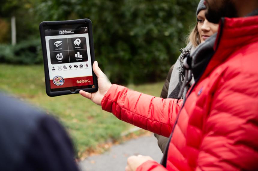 Tabtour Wien tablet iPad mit Aufgaben