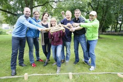 freudige Gruppe bei sport firmenevent-Potsdam