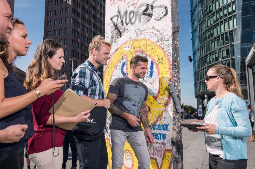 Team Stadt iPad Tablet GPS Mauer