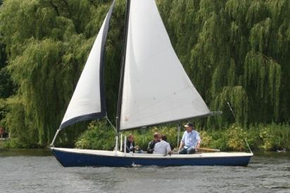 Segelboot auf See-Hamburg