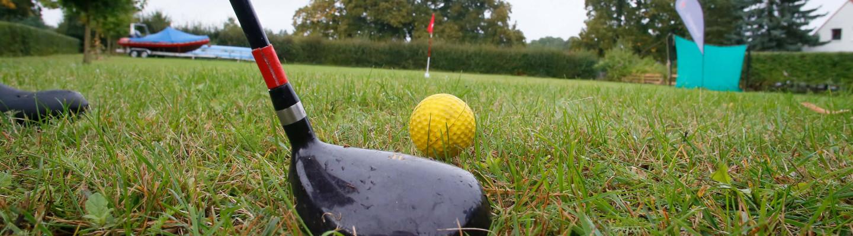 Golf Schlaeger Ball Outdoor Wiese
