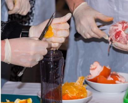 Obst Orange schneiden Mixer