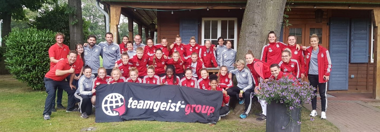DFB U19 Frauen mit teamgeist beim Teambuilding-Event als Vorbereitung zur EM 2019