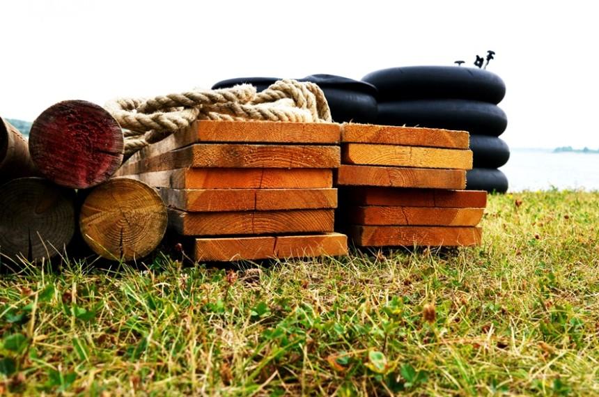 Floßbau Holz