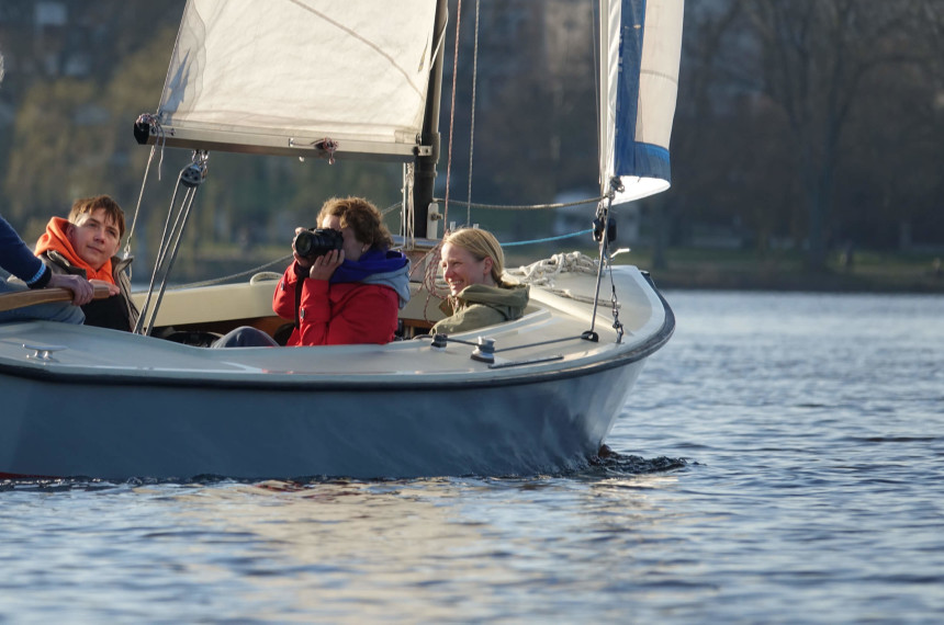 Champagne Sailing on the Alster Hamburg 0