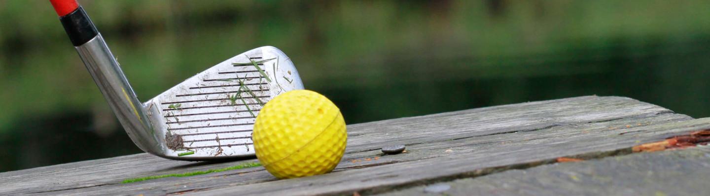 Golf Schlaeger Ball Outdoor Steg