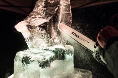Eis Block Kettensäge Schnitzen