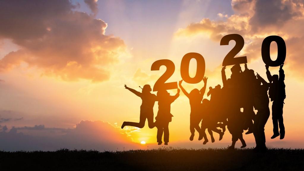 Sonnenuntergang Team feiert Betriebsausflug 2020 Silhouetten