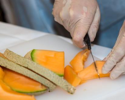 Obst Melone Schneiden