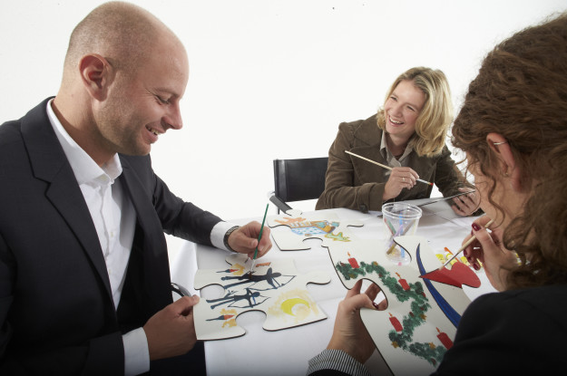 Menschen mit Puzzle-Leipzig