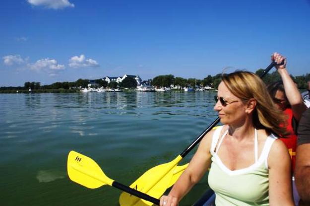 Kanu Expedition im ruhigen Wasser