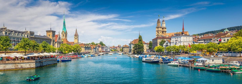 Zürich Skyline mit Limmat, Fraumünster und Großmünster