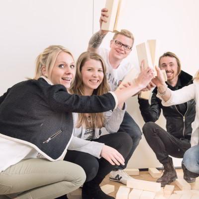 Team Holz Steine Turm Indoor